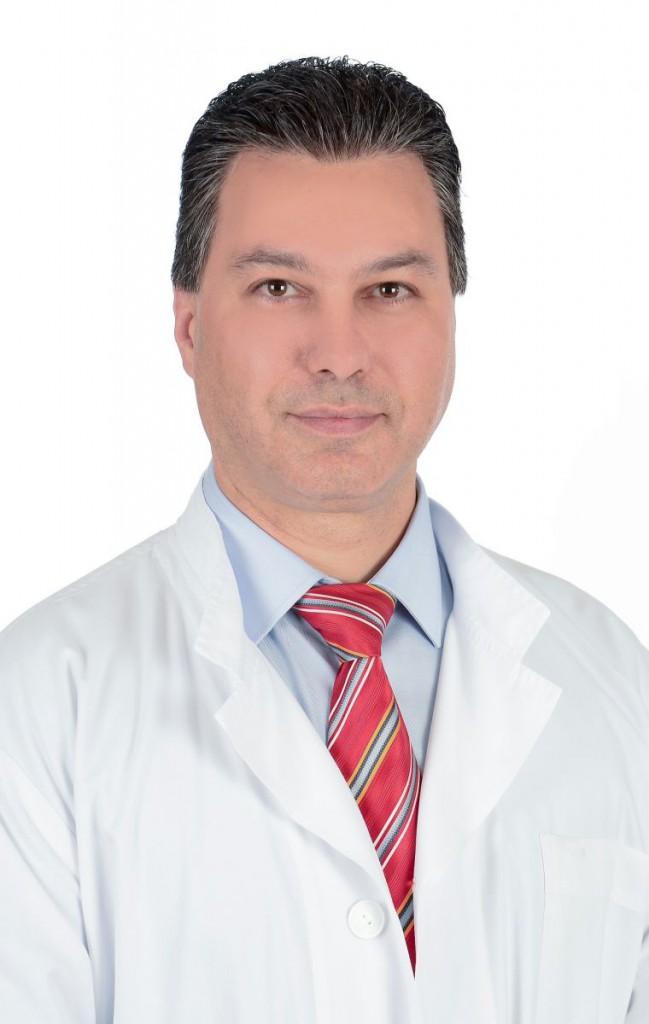 Μηνάς Ν. Αρτόπουλος, υπεύθυνος του Τμήματος Χειρουργικής Τραχήλου-Θυρεοειδούς της ΩΡΛ κλινικής του «ΜΗΤΕΡΑ».