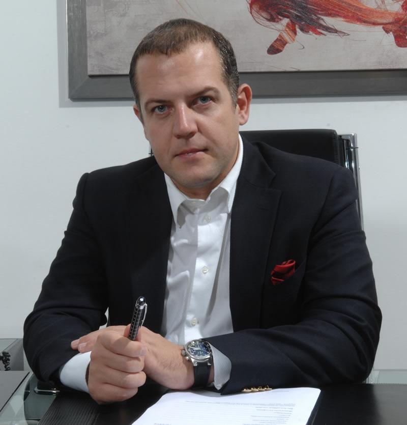 Δρ. Αθανάσιος Αθανασίου, ιδρυτής του ABH Medical Group