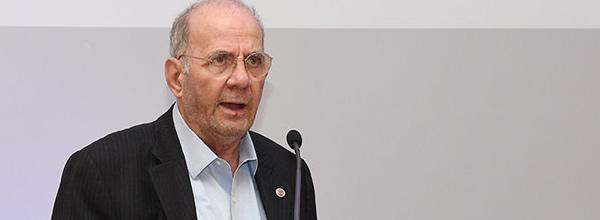 Ο Ομότιμος Καθηγητής  Οικονομικών της Υγείας Γιάννης Κυριόπουλος