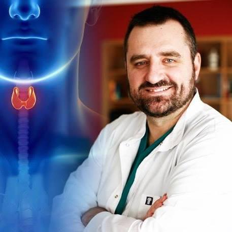 Δρ Εμμανουηλ Τσίγκος  Διευθυντής Τμήματος Χειρουργικής Ογκολογίας και Ενδοκρινών Αδένων Ιατρικού Κέντρου Π.Φαλήρου,