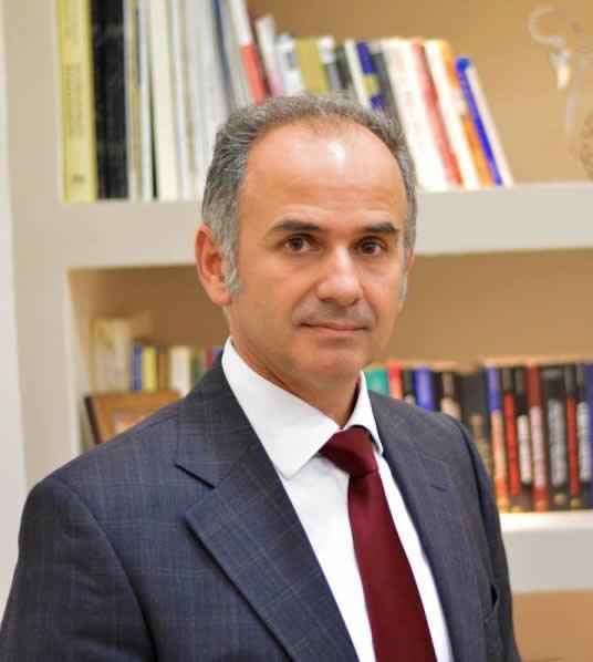 Ο Αγγειοχειρουργός, Αγγειολόγος Χαράλαμπος Κ. Ηλίας
