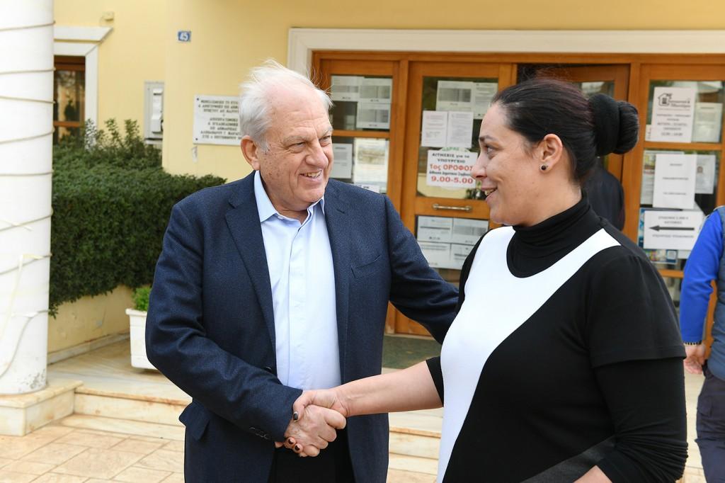Από αριστερά: ο Dr. Γεώργιος Σταματίου, Πρόεδρος Δ.Σ. Ομίλου ΙΑΣΩ και η κυρία Ερασμία Στάθη, Πρόεδρος Δημοτικού Συμβουλίου