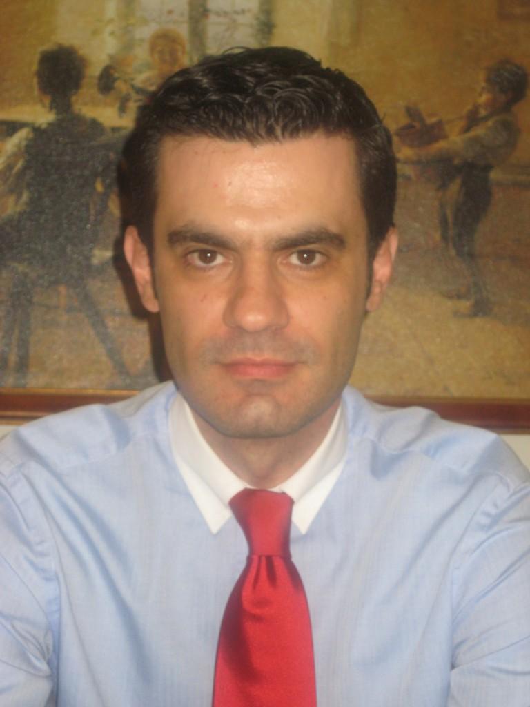 Μανώλης Συμβουλάκης , Γαστρεντερολόγος, Δ/ντής της Β' Γαστρεντερολογικής Κλινικής του ΕΡΡΙΚΟΣ ΝΤΥΝΑΝ Hospital Center.