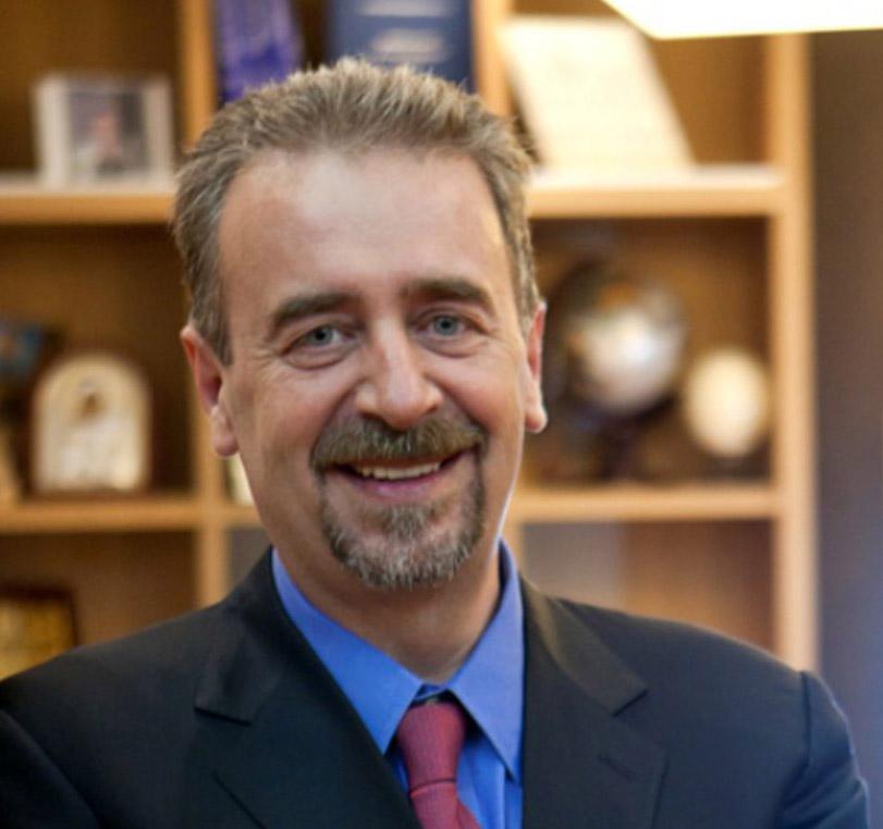 Δρ. Ιωάννης Τσαρούχας