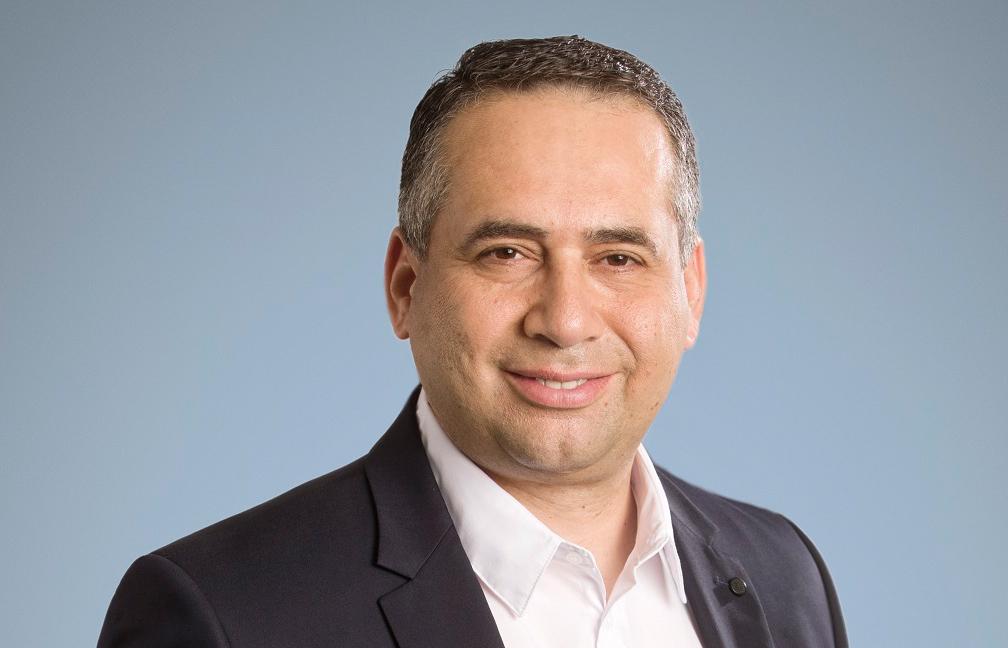 Ezat Azem  Διευθύνων Σύμβουλος και Πρόεδρος του Δ.Σ της Roche Hellas