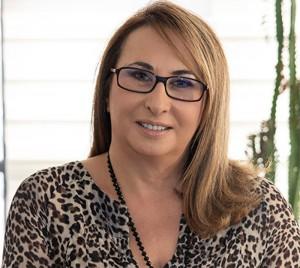 Δέσποινα Αρναούτογλου Κλινική Δερματολόγος Αφροδισιολόγος & Μaster Αισθητικής Ιατρικής Επιστημονικός Συνεργάτης της Ελληνικής Εταιρείας Εμμηνόπαυσης www.eletem.org