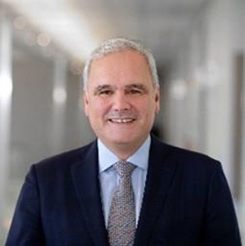 Stefan Oelrich Member of the Board of Management and President, Pharmaceuticals Division, Bayer